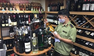 Rượu, thuốc lá tiêu thụ trong nước phải dán tem điện tử