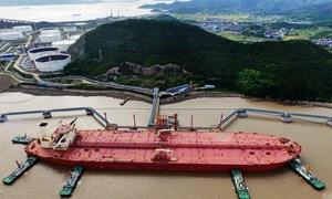 """Các """"đại gia"""" dầu mỏ thế giới sẽ làm gì khi giá dầu xuống mức âm?"""