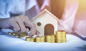Siết tín dụng, bất động sản có lao dốc?