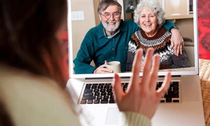 Công nghệ có thể gây rạn nứt tình cảm các thế hệ?