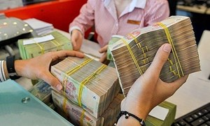 """Dư thanh khoản, có thể sẽ thêm """"làn sóng"""" cắt giảm lãi suất ngân hàng"""
