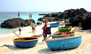Du khách sẽ tốn 100.000 đồng tiền phí khi tham quan đảo Lý Sơn
