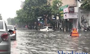 Hà Nội ngập lụt sau cơn mưa lớn
