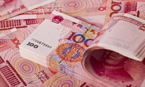 """Giảm giá CNY, dừng mua nông sản: Trung Quốc đang """"chơi rắn"""" với Mỹ?"""