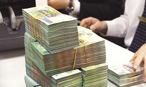Hàng loạt ngân hàng tiến sát
