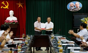 Trao quyết định nghỉ hưu đối với Phó Tổng cục trưởng Tổng cục Dự trữ Nhà nước Lê Xuân Minh