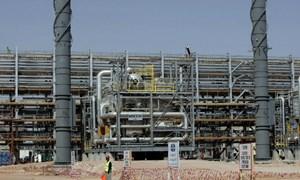 Ai sẽ khuynh đảo thị trường dầu?