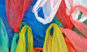 Cử tri kiến nghị tăng thuế cao với túi nilon