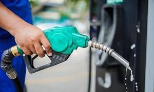 Giá xăng dầu trong nước biến động thấp hơn giá xăng dầu thế giới