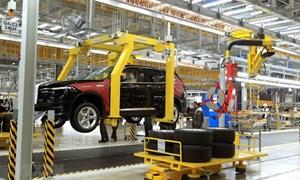 Tiếp tục đề xuất giảm 50% mức thu lệ phí trước bạ với ô tô sản xuất, lắp ráp trong nước