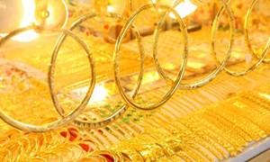 Nhà đầu tư hoảng loạn bán tháo, giá vàng lao dốc