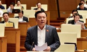 Bộ trưởng Đinh Tiến Dũng làm rõ nhiều nội dung đại biểu Quốc hội quan tâm