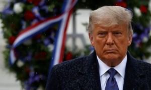Tổng thống Donald Trump cấm Mỹ đầu tư vào các công ty quân sự Trung Quốc
