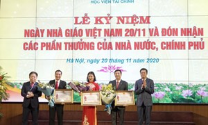 Học viện Tài chính kỷ niệm Ngày Nhà giáo Việt Nam và đón nhận các phần thưởng cao quý