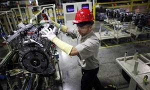 Sản xuất tại Mỹ tiếp tục rơi vào suy thoái bất chấp những cam kết từ chính ông Donald Trump