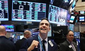 Dow Jones tăng điểm mạnh nhất trong 10 năm trở lại đây