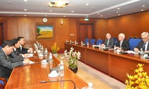 Thứ trưởng thường trực Nguyễn Công Nghiệp tiếp và làm việc với Đoàn Chủ tịch Ủy ban chuẩn mực kiểm toán quốc tế