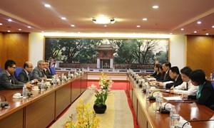 Bộ trưởng Bộ Tài chính Đinh Tiến Dũng tiếp và làm việc với Tổng Giám đốc Tập đoàn CNIM