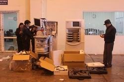 Bắt giữ lô hàng thiết bị y tế thuộc diện cấm nhập khẩu