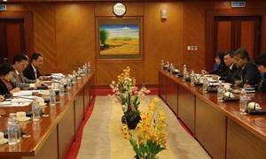 Bộ trưởng Bộ Tài chính Đinh Tiến Dũng tiếp và làm việc với Quỹ Tiền tệ quốc tế