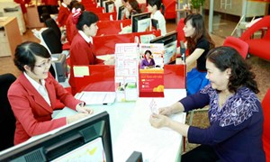 Quản lý nhà nước đối với dịch vụ ngân hàng bán lẻ