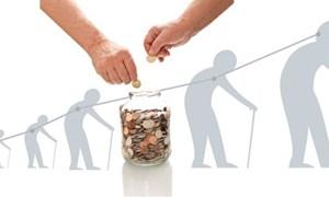 Thị trường bảo hiểm hưu trí: Sự hấp dẫn của những người già