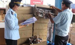 Xử lý rốt ráo trên 100 container hàng Trung Quốc nhập khẩu