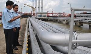 Cách tính phạt chậm nộp xăng dầu tạm nhập tái xuất chuyển tiêu thụ nội địa