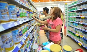 Áp dụng biện pháp bình ổn giá với sản phẩm sữa dành cho trẻ em dưới 6 tuổi