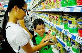 Bộ Tài chính quyết liệt bình ổn giá sữa