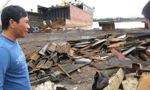 """Nhập tàu cũ: lợi nhuận triệu đô hay """"bán rẻ"""" môi trường?"""