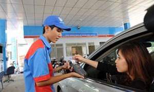 Phát hiện 3 doanh nghiệp xăng dầu tăng giá bán vượt trần
