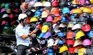 """Chưa xử phạt người điều khiển giao thông sử dụng mũ bảo hiểm """"rởm"""""""