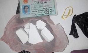 Quảng Trị bắt 2 nữ đối tượng buôn bán 1.400 liều heroin