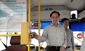 Từ 6/10, Hà Nội sẽ thí điểm dùng vé tháng điện tử xe buýt