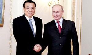 """Trung Quốc đem """"quà"""" tặng Nga: Được cả """"tiếng"""" lẫn """"miếng"""""""