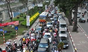 Từ ngày 1/11/2014, xe gắn máy phải nộp phí đường bộ