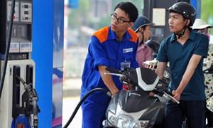 Từ 11 giờ hôm nay, xăng tiếp tục giảm tối thiểu 949 đồng/lít