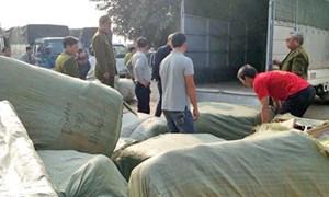Bắt giữ hơn 40 tấn hàng hóa không rõ nguồn gốc tại Hà Nội