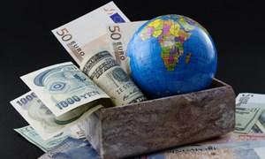 """Kinh tế thế giới đối mặt """"những rủi ro nghiêm trọng"""""""