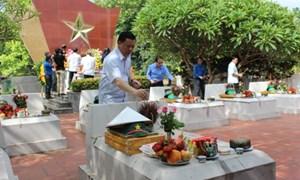 Bộ Tài chính tri ân các anh hùng liệt sỹ tại Tuyên Quang