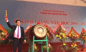 Phó Thủ tướng Vương Đình Huệ dự khai giảng năm học mới tại Nghệ An