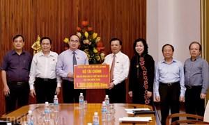 Ngành Tài chính quyên góp gần 1,5 tỷ đồng ủng hộ đồng bào miền Trung