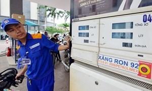 Giá xăng tiếp tục tăng 306 đồng/lít