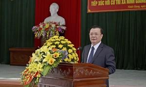 Bộ trưởng Đinh Tiến Dũng tiếp xúc cử tri tại Ninh Bình