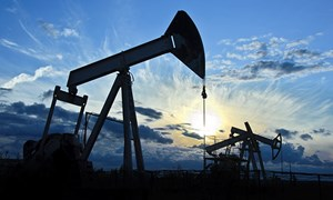 Mỹ sẽ lật đổ Nga và Saudi Arabia trở thành nước sản xuất dầu lớn nhất thế giới