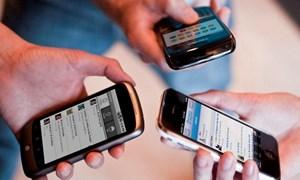 Dùng điện thoại cũ, lợi cả đôi đường