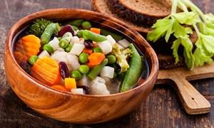 Coi chừng đổ bệnh vì ăn chay không đúng cách