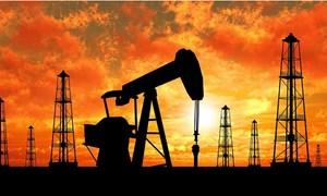 Giá dầu rung lắc vì Mỹ rút khỏi thỏa thuận hạt nhân Iran