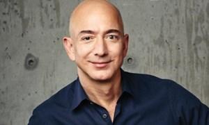 Làm cách nào để Jeff Bezos trở thành người giàu nhất thế giới?